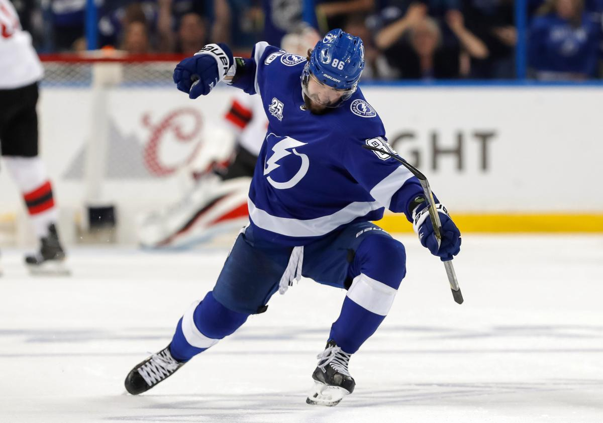 f03b928932f Lightning cast out Devils to reach second round