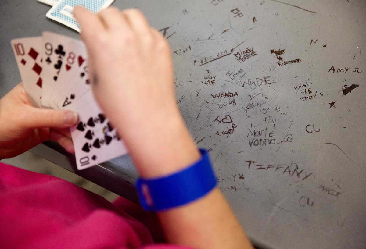 bench game machine card crossword gambling