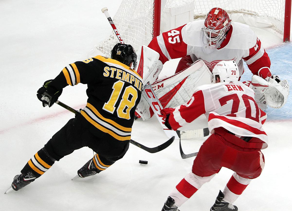 2bb2dc832a0 Bruins  roster remains jumbled after preseason loss
