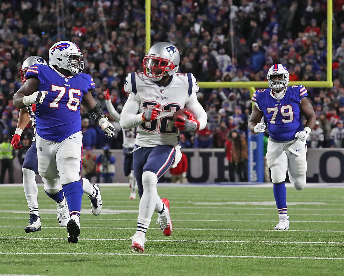 Devin McCourty outruns the field to return an interception 84 yards for a  touchdown against the e07154824