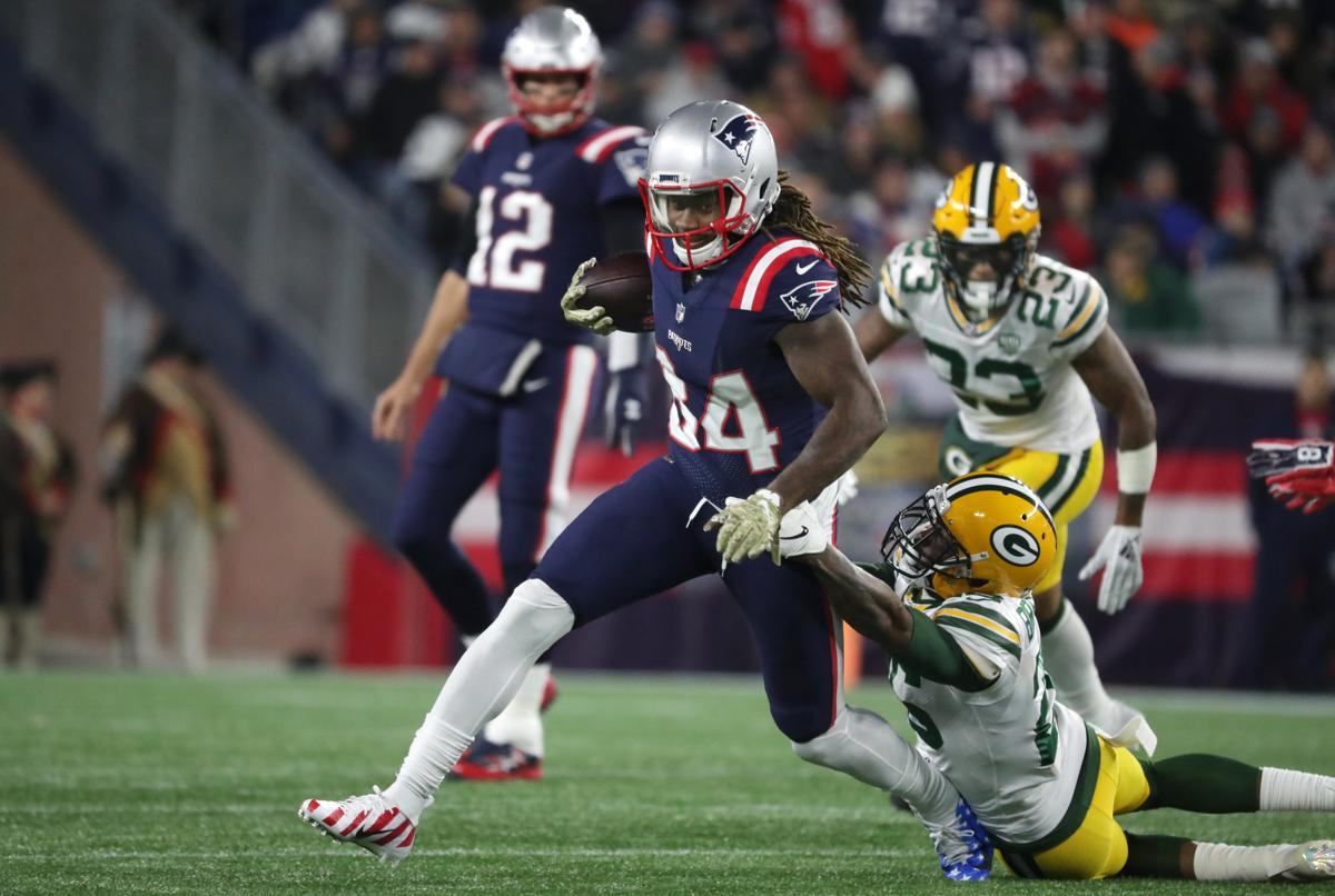 Patriots  Cordarrelle Patterson slashes and dashes his way to ... 86fbcbc64