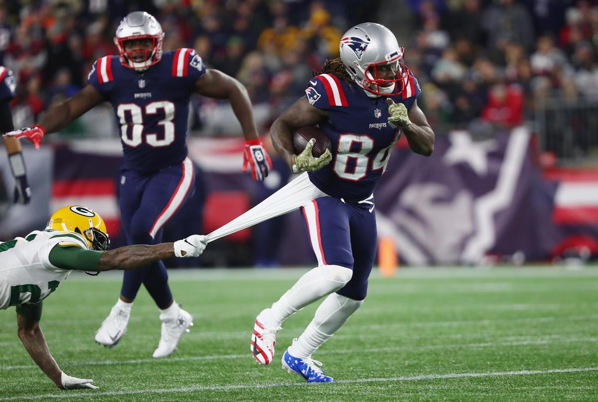 Cordarrelle Patterson and the long line of Patriots filling in at other  positions 75bd03425