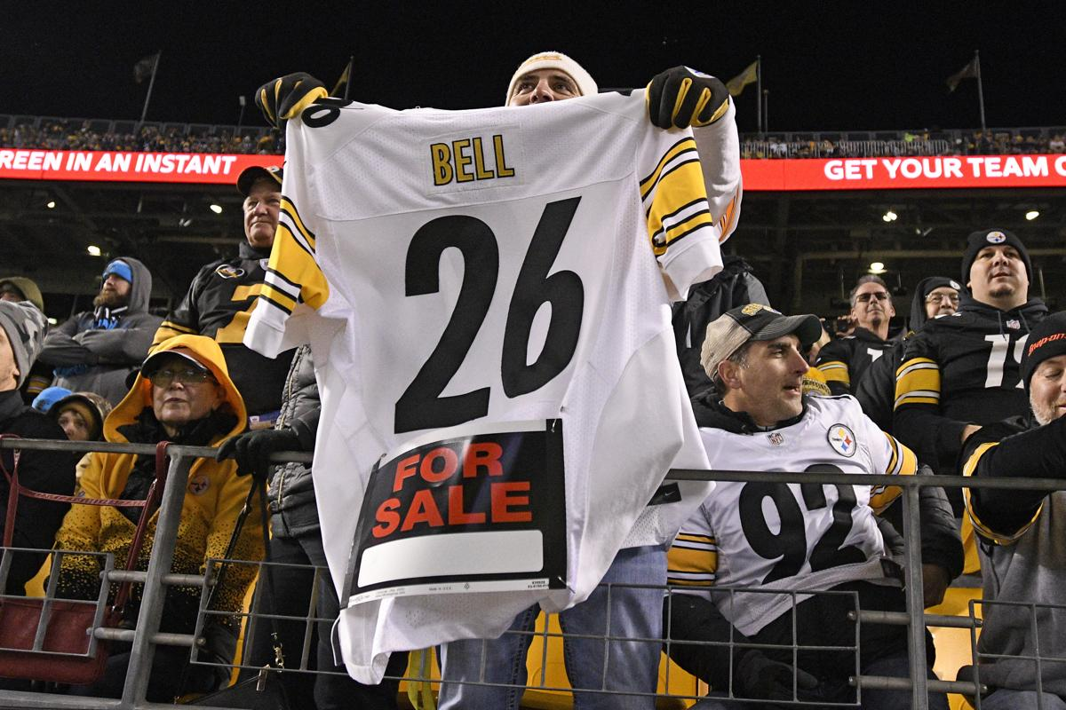 40c89c836 Le Veon Bell refuses to sign tender