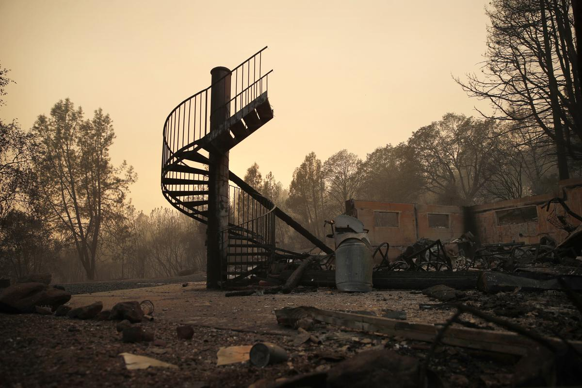 The deadly Camp Fire in California  The town of Paradise is consumed