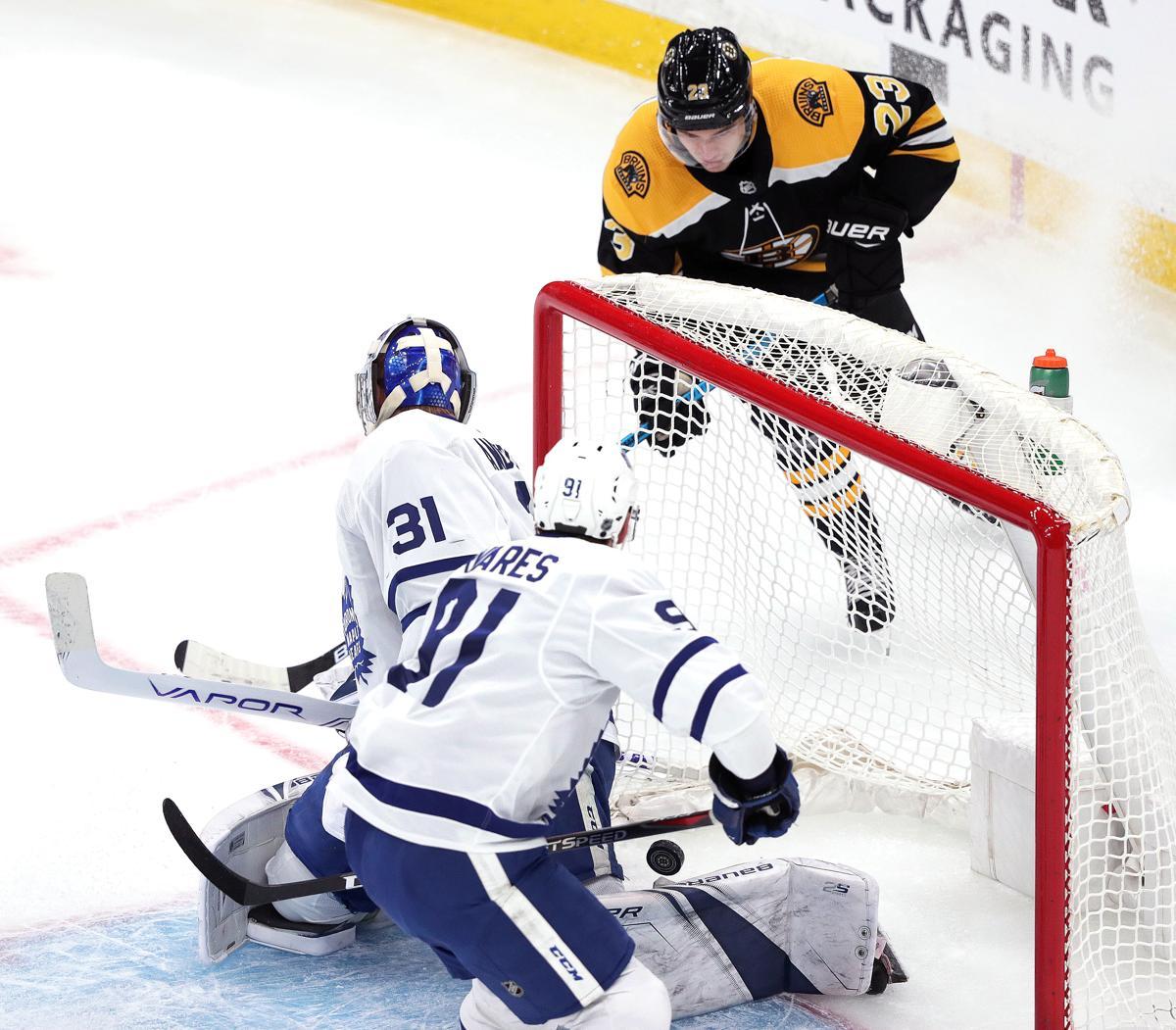 Bruins Schedule 2020-2018 Bruins knock down Maple Leafs