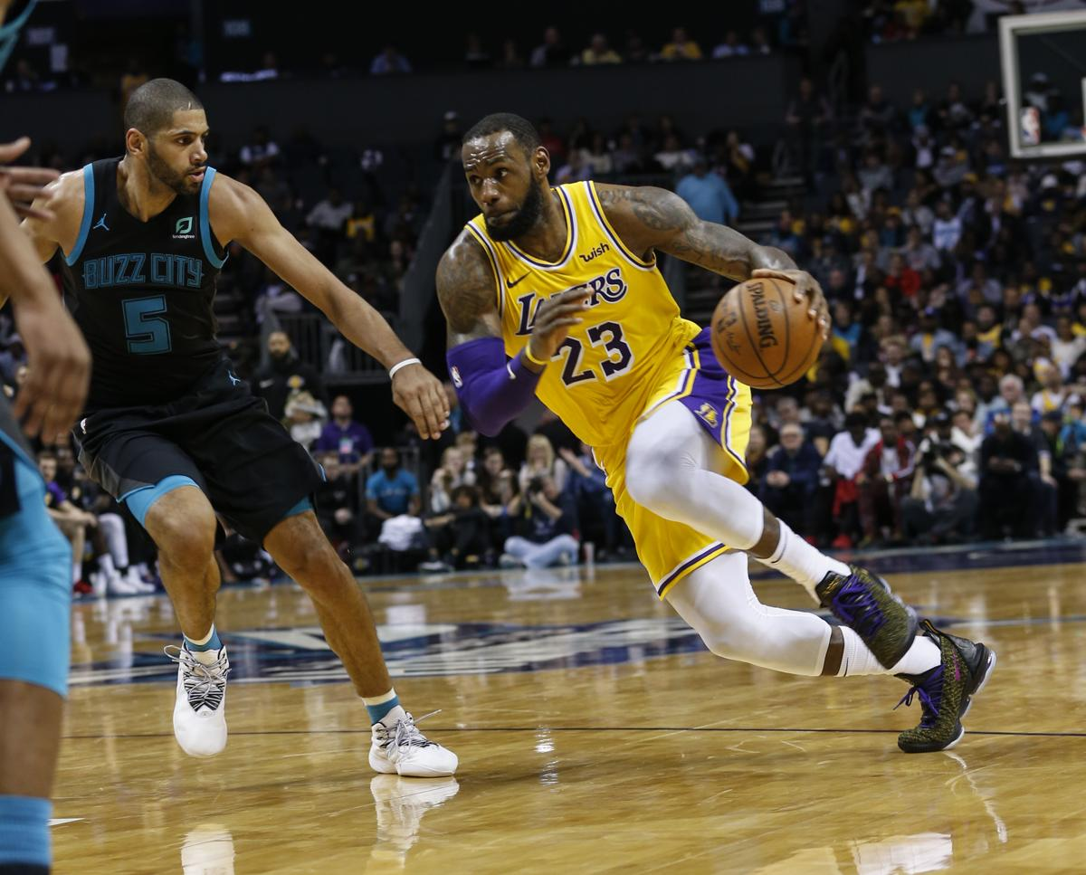 big sale a8981 2af95 LeBron James, Lonzo Ball post triple-doubles in Lakers' win