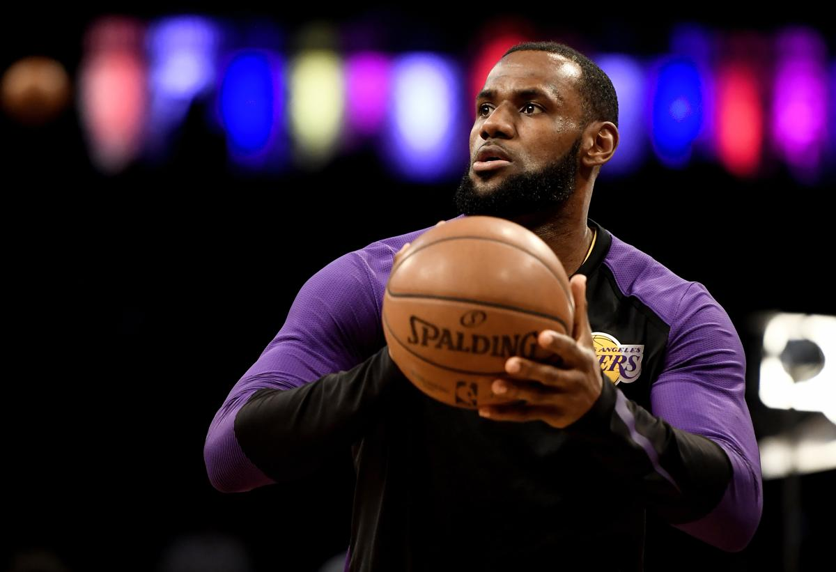 LeBron James rips NFL owners as  old white men  with  slave mentality  59d10bd45