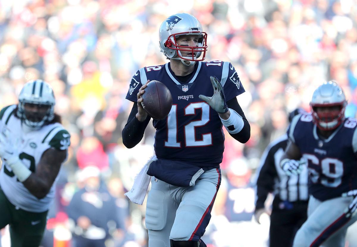 Patriots film study  Tom Brady certainly didn t look hurt against ... af14dc69b