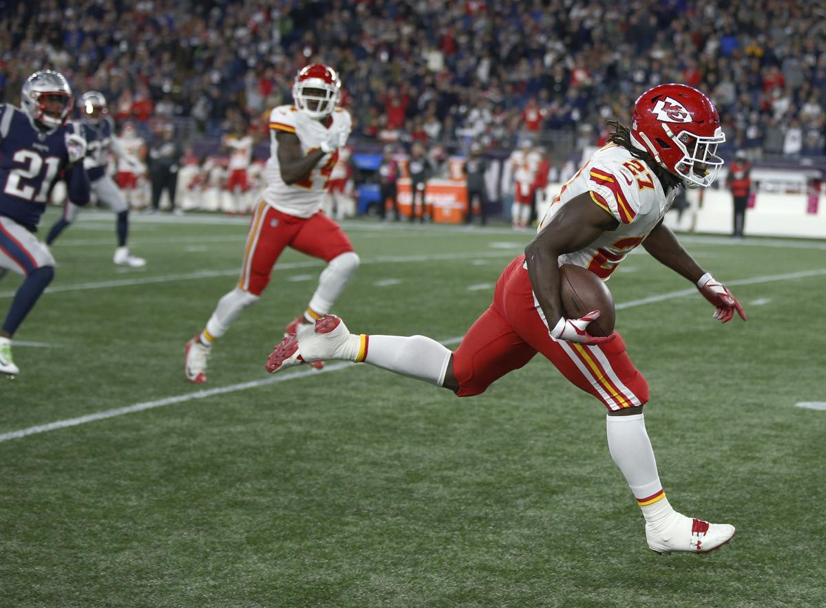 Former Chiefs running back Kareem Hunt (27) had the Patriots  number on the ecf1eb814