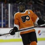 Philadelphia Flyers' Wayne Simmonds in action during an NHL hockey game against the St. Louis Blues, Monday, Jan. 7, 2019, in Philadelphia. (AP Photo/Matt Slocum)