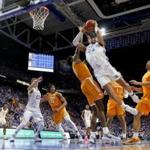 LEXINGTON, KENTUCKY - FEBRUARY 16: PJ Washington #25 of the Kentucky Wildcats shoots the ball against Tennessee Volunteers at Rupp Arena on February 16, 2019 in Lexington, Kentucky. (Photo by Andy Lyons/Getty Images)