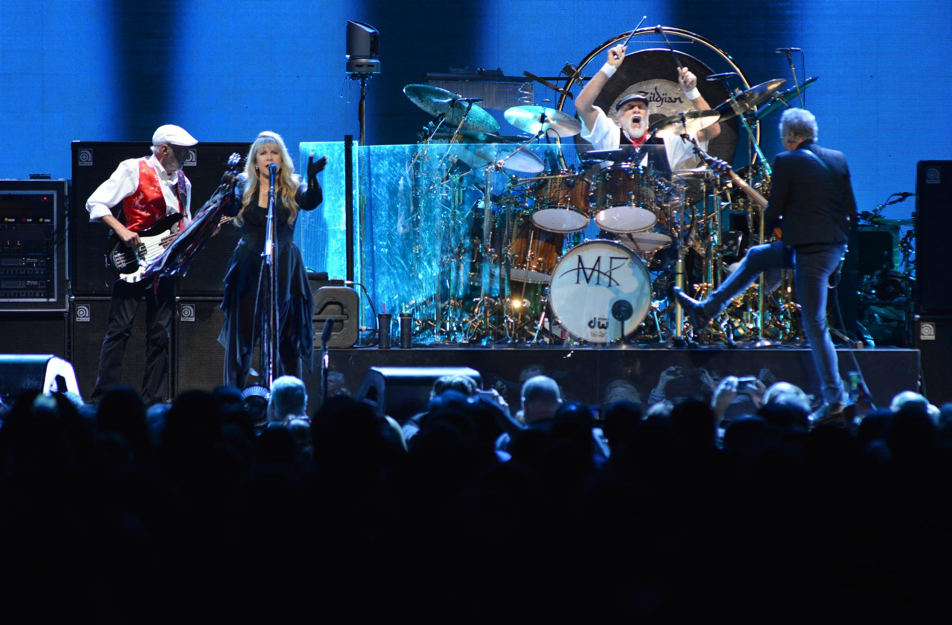 Concert review Christine McVie completes Fleetwood Mac The