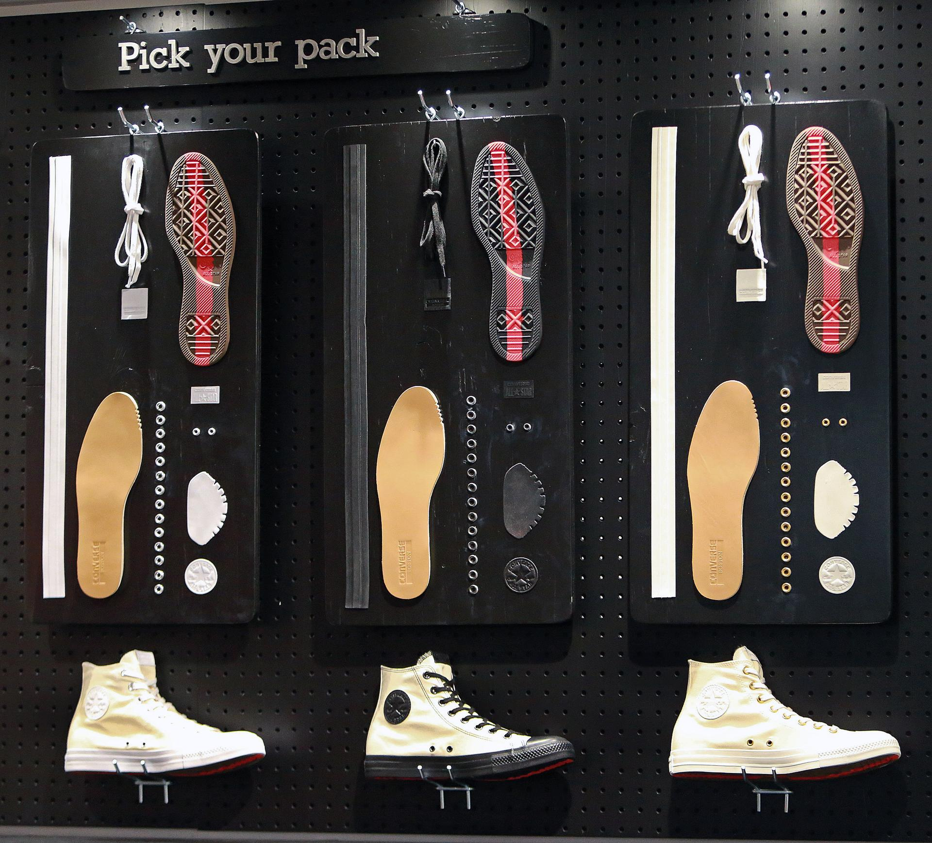 converse outlet store 8tdw  05/11/15: Boston, MA: Converse has moved their headquarters from