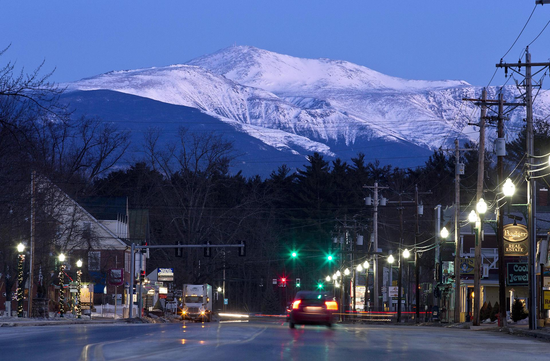 Mount washington is seen at dawn from north conway n h in 2015
