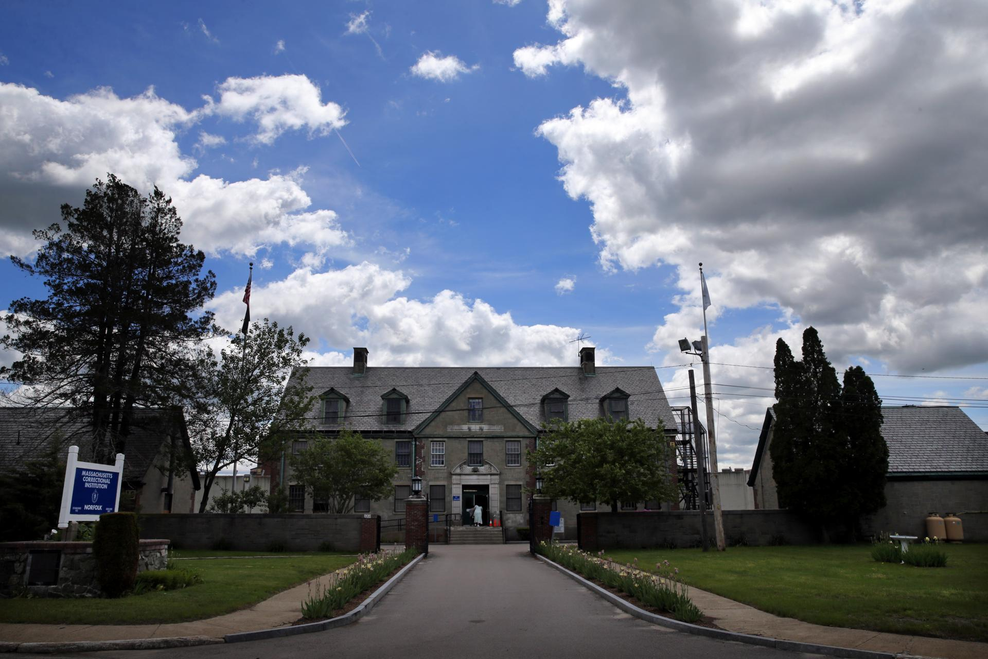 State environmental officials insisted the prison's water is safe.