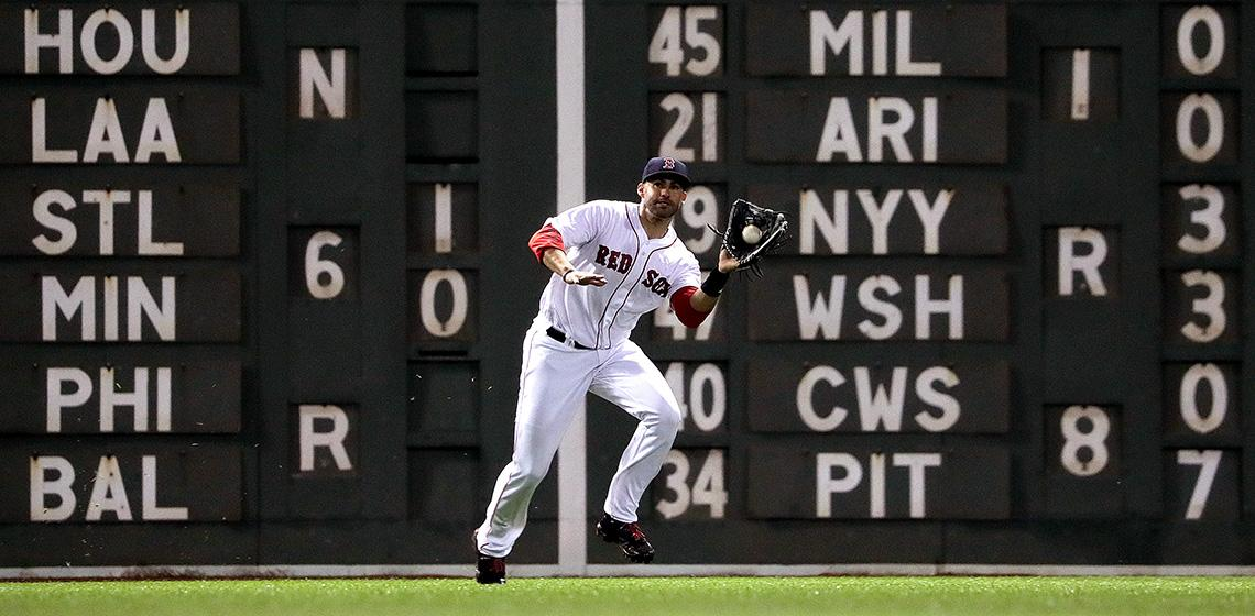 8Boston, MA - 5/15/2018 - (4th inning) Boston Red Sox right fielder J.D. Martinez (28) makes the catch of a short fly ball by Oakland Athletics right fielder Stephen Piscotty (25) during the fourth inning. The Boston Red Sox host the Oakland Athletics in the second of a three game series at Fenway Park. - (Barry Chin/Globe Staff), Section: Sports, Reporter: Peter Abraham, Topic: 16Red Sox-A's, LOID: 8.4.1930814980.