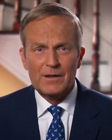 Todd Akin rejected calls from Mitt Romney and other Republicans to end his bid for US Senate.