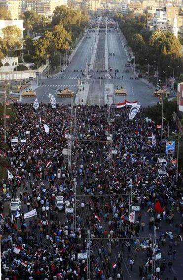 Anti-Morsi protesters demonstrated outside the presidential palace.