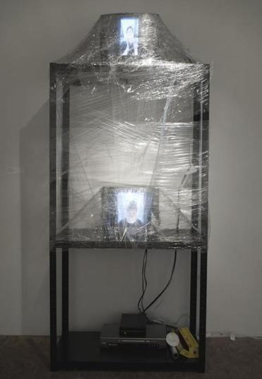 "Jessica Borusky's video installation ""You're Great/No Worries"" at Howard Art Project."