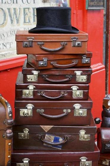 Portobello Road, the city's most famous antiques market, has stalls that specialize.