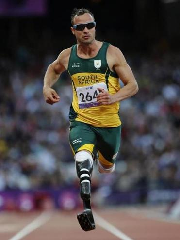 Oscar Pistorius, who is charges with the shooting death of his girlfriend, will be allowed to run at this year's world championships.