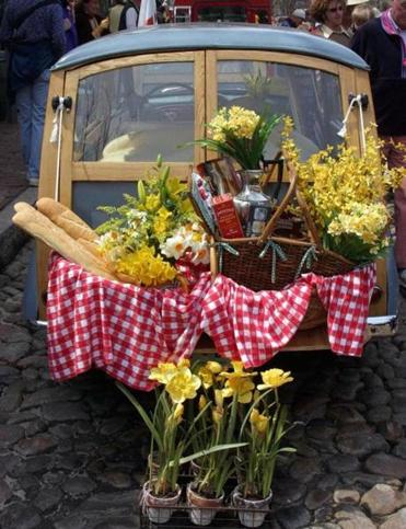 The Nantucket Daffodil Festival, held April 26-28, brings an explosion of yellow, plus an antique car parade and picnics.