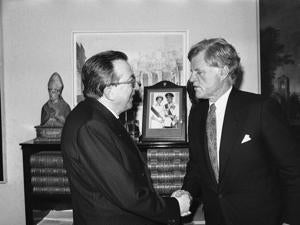 Italian Foreign Minister Giulio Andreotti, left, and Sen. Ted Edward Kennedy shake hands during their meeting in Rome in 1987.