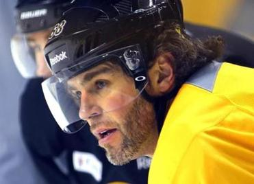 Veteran Jaromir Jagr will go up against one of his former teams (the Rangers) as he pursues a third Stanley Cup.