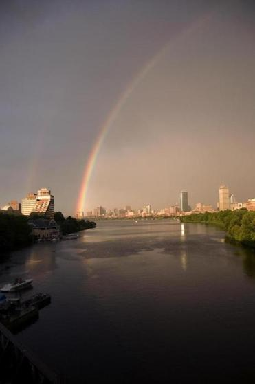 The famous #Boston #rainbow, as seen from the Boston University bridge.