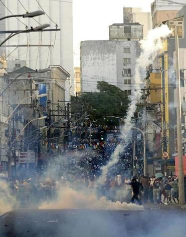 Protesters blocked access to the Arena Fonte Nova Stadium on Thursday in Salvador, where the Confederations Cup is being played, as tear gas was shot by riot police.
