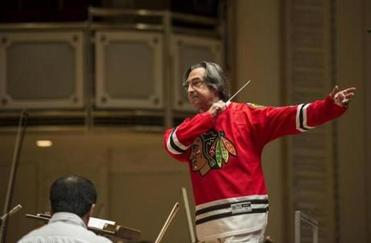 Chicago Symphony Orchestra music director Riccardo Muti recently donned a Chicago Blackhawks jersey.