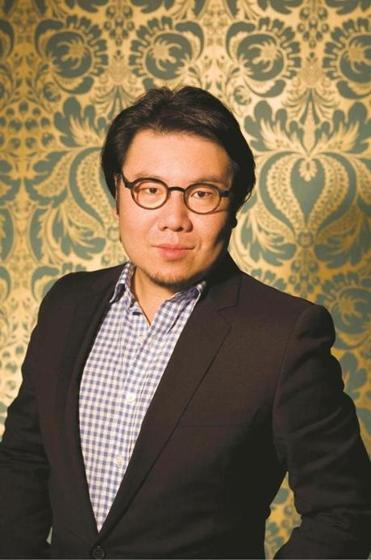 Kevin Kwan takes time to educate the reader with translations of Cantonese, Hokkien, and Mandarin words.