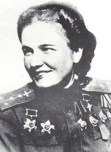Ms. Popova, who became a squadron commander, flew 852 combat missions during World War II.