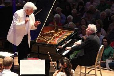 Pianist Emanuel Ax with Christoph von Dohnanyi and the Tanglewood Music Center Orchestra on Sunday.