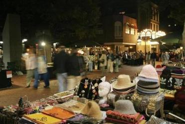 The Charlottesville Historic Downtown Mall offers a pedestrian-only section, 120 stores, and 60 restaurants.