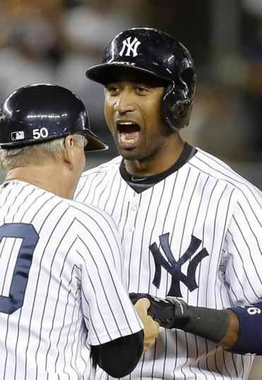 Eduardo Nunez's two-run double in the eighth inning gave the Yankees a two-run lead over the White Sox.