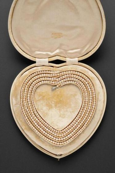 Pearl necklace given by Henry Fairfield Osborn, the paleontologist and president of the Museum of Natural History, to his wife on their 25th wedding anniversary in 1906 will be offered at Skinner's Fine Jewelry Auction with a $25,000-$30,000 estimate.