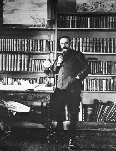 Kipling in the library of his Vermont home (top), which he named Naulakha.