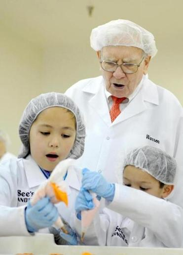 Warren Buffett oversaw some candy decorating last month on a tour of the See's Candies factory in Los Angeles.