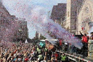 David Ortiz waved to the crowd of Red Sox fans in Copley Square.