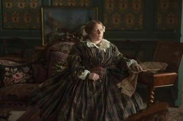 Joanna Scanlan plays Dickens's wife, Catherine.