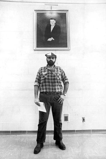 Mr. Camarata stood under a portrait of Jimmy Hoffa , the former Teamsters president, in Detroit in 1978.