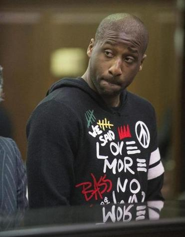 Knicks' Raymond Felton was released on $25,000 bond after his wife turned in a loaded handgun.