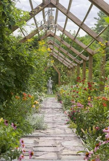 Rooted in history a garden design for the ages in maine for Garden design history