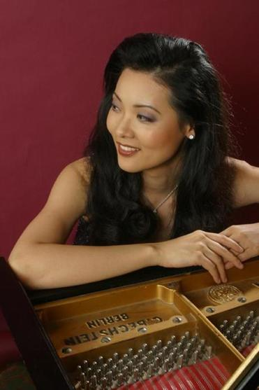 Pianist Ya-Fei Chuang was a superb Rachmaninoff soloist with the Boston Philharmonic.