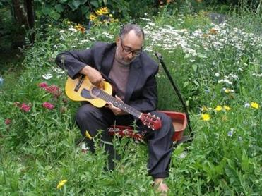 Vance Gilbert will perform at the South Shore Folk Music Club in Kingston.