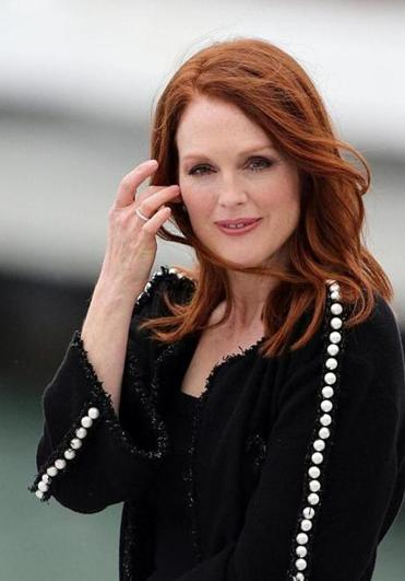 Alice A Challenge For Julianne Moore The Boston Globe