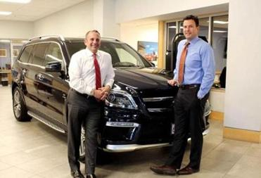 Prime Motor Group >> Auto Dealer Decides To Adjust His Upside Down Billboards The