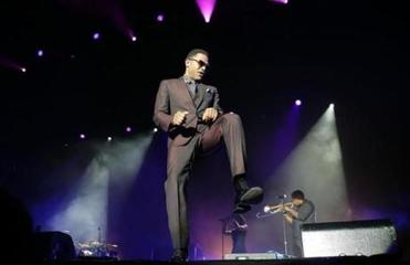 Maxwell performs in Sydney, Australia, in 2014.