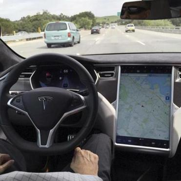 Tesla Said Drivers Should Keep Both Hands On The Wheel And Be Ready To Take Over